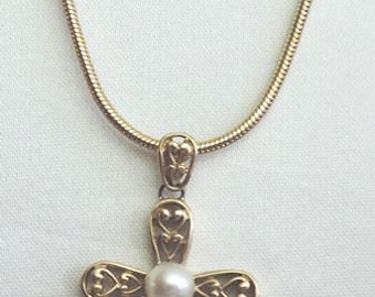 FREE SHIPPING!  Ornate Cross Pendant with Pearl