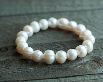 White Pearl Stretch Bracelet, Bridesmaid Bracelet, Baroque Pearl Bracelet, Bridal Wedding Jewelry