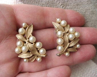 Vintage Gold Tone Clip On Leaf and Faux Pearl Earrings