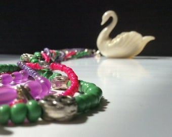 Single Strand Seriate Necklace