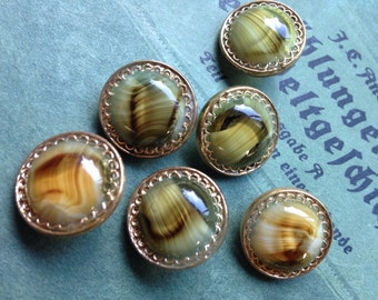 Inter mixed glass buttons - 8 beautiful collector / glass buttons - vintage buttons - 3 sizes available