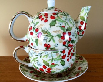 One Cup Teapot Cup In One THT Designs Holly Berries