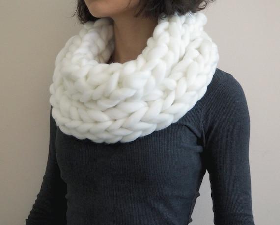 Arm Knitting Yarn Australia : Items similar to infinity scarf white chunky yarn roving