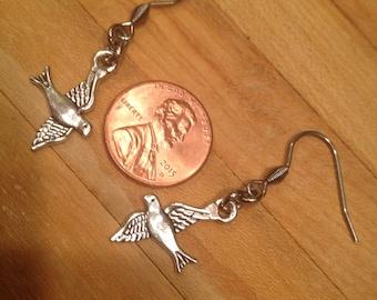 BIRDS IN FLIGHT Antique Silver earrings