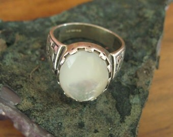 Mother Of Pearl Set Silver Ring