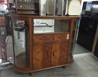 Art Deco Style Display Cabinet (Lot: 106R)