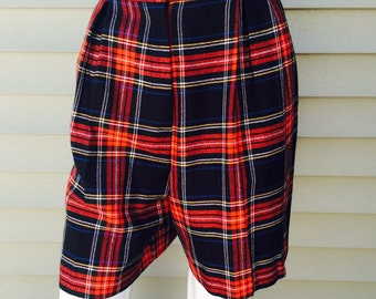Vintage 1980's New York Michele Red Plaid Shorts Size 14 Womens Pleated Front Side Pockets Shorts High Waist, Uniform School Girl Culottes