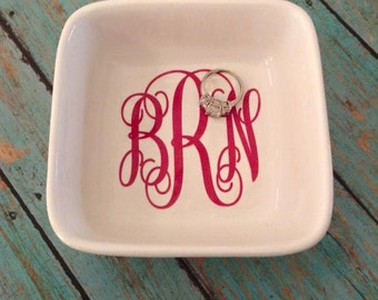 Monogrammed ring dish // bridal gift // monogrammed jewelry dish // personalized ring dish // wedding gift // personalized gift