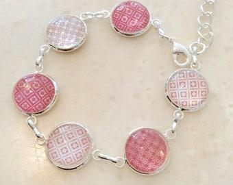 Delicate bracelet Pink