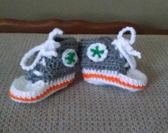 Customizable Infant Sneaker booties, 0-6 month, crochet, Chuck inspired
