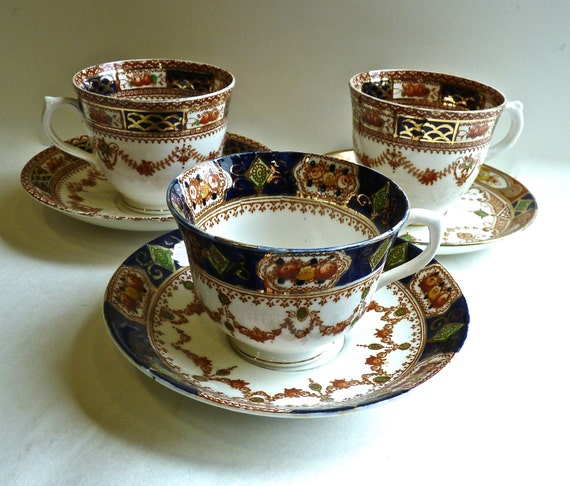 SALISBURY CHINA CUPS ~ Trio Of Tea Cups ~ Coffee Cups ~ Vintage English Bone China ~ Circa 1930s ~ Imari Inspired