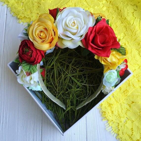 Flower crown from Ukraine / Vinok/ folk jewerly/ red white yellow roses/ accessory for embroidered blouse/ Ukrainian vyshyvanka / Ukraine