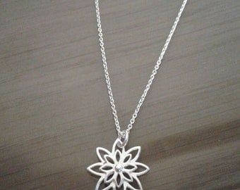 Sterling silver cut out flower neckace and chain