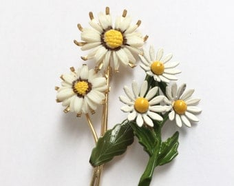 Vintage Daisy Flower Brooch Set