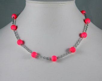 Necklace fuchsia beads