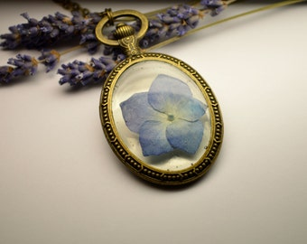Real dried flowers glass, Hydrangea pendant, natural necklace, terrarium pendant, plant, flowers, Crystal Resin, Epoxy Resin Jewelry
