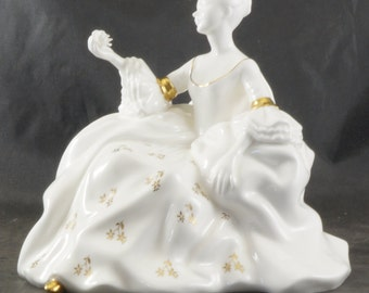 Royal Doulton Figurine ANTOINETTE Second Version HN 2326