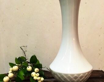White vase, vintage vase, porcelain vase, Schumann Arzberg Bavaria 1058/25, 1960, white vase