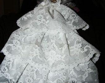 white lace jabot