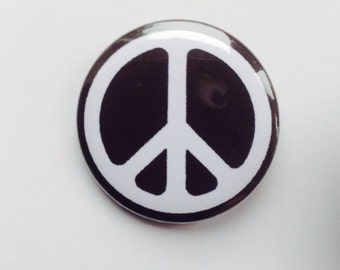 CND (Campaign for Nuclear Disarmament) 25 mm pin badge