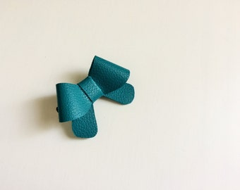 """Turquoise blue leather """"Helen"""" bow - small - headband - alligator clip"""