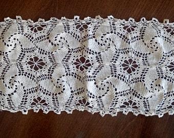 Vintage Doily. Large Crocheted Rectangular Lace Doily. Vintage Lace Table Runner. Ecru Colour RBT0157