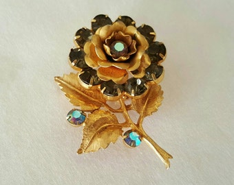 Rose rhinestone pin