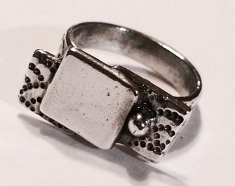 Casual and Stylish Fine Silver Ring