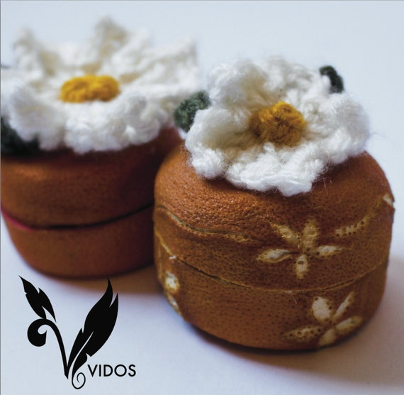 Dried Orange Peel Mini Jewerly Box with crochet flower on top and engraved decorations