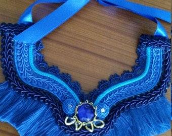 Necklace ethnic hand-made yarn-fringed