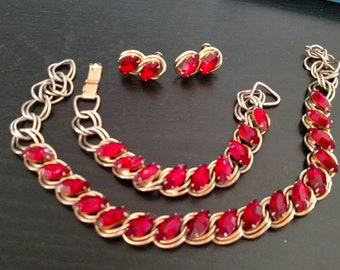 Vintage Necklace Bracelet and Earrings