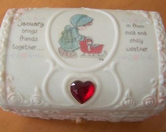 Vintage 1995 Precious Moments January birthstone Garnet Trinket / small Jewelry Box - lovely!