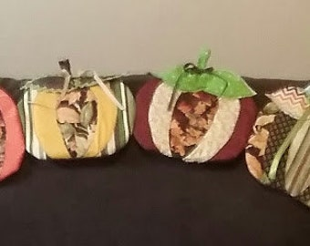 Holiday Pumpkin Table Runner