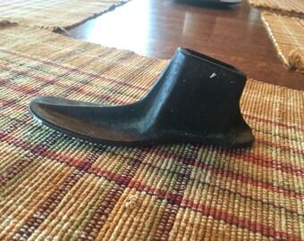 Vintage cast iron cobbler shoe form