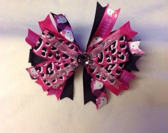 Pink leopard bow.