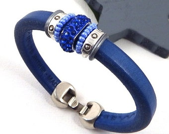 Beads Bracelet leather regaliz blue rhinestones and silver plated clasp
