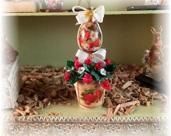 Miniature decoration, strawberry bouquet