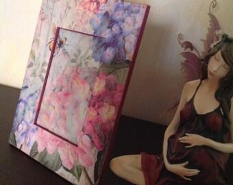 Flower shaped frame