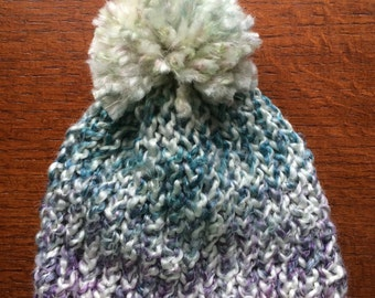 Baby hat with pom