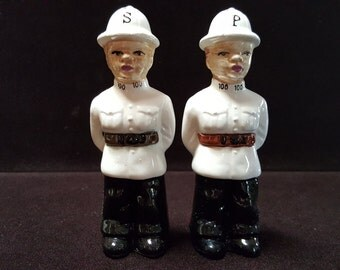 Vintage Guards Salt and Pepper Shakers London Guards