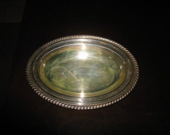 1950s Leonard Silver Manufacturing Silverplate Hollowware Oval Bread Tray