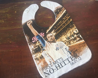 New York Mets No Hitter Upcycled Recycled T-Shirt Bib with Terry Cloth Back - OOAK