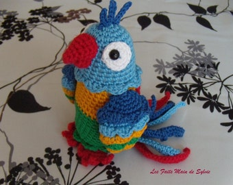 Multicolored crochet Parrot
