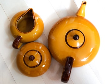 Lo Profile Butterscotch Teapot Cream and Sugar Set