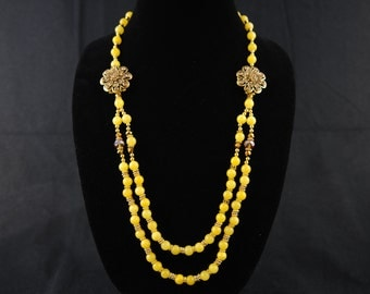 Yellow stone bead necklace