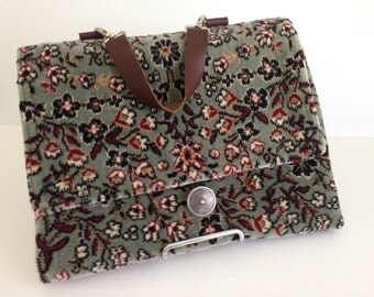 CLEARANCE SALE - 20% DISCOUNT - The Small-Med Laptop Bag
