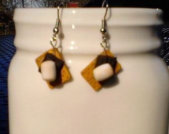 S'mores dangle earrings