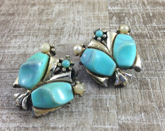 Gorgeous Vintage Estate Goldtone BlueThermoset Cabs Clip Earrings