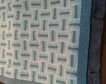 BASKET WEAVE-green and white with Shamrock quilting