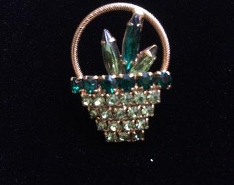 Basket of flowers pin / brooch